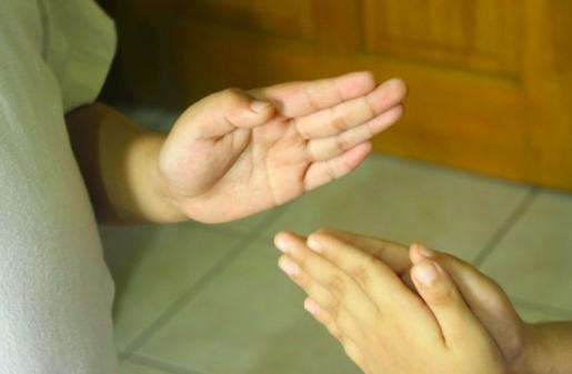 hand slap game