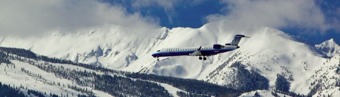 united-jet-mountains.jpg