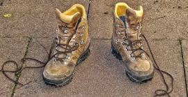 serveihiking boots