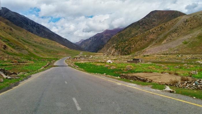 long road thu mountains